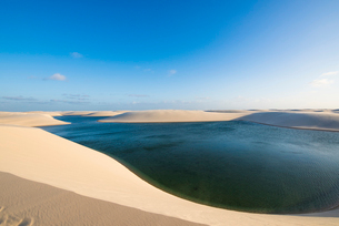 レンソイス砂漠の湖の写真素材 [FYI03417558]