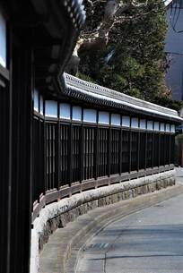 黒い和風の壁の写真素材 [FYI03417623]