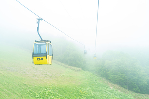 霧のゴンドラの写真素材 [FYI03418431]