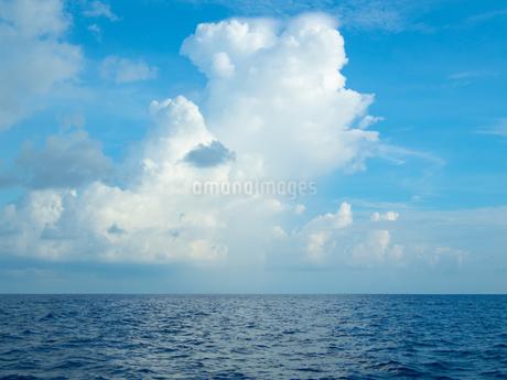 海上の雲の写真素材 [FYI03418500]