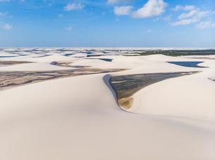 レンソイス砂漠の砂丘の空撮の写真素材 [FYI03418559]