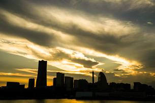 横浜の街並みと夕景の写真素材 [FYI03418989]