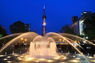 札幌 夜の大通公園の写真素材 [FYI03419317]