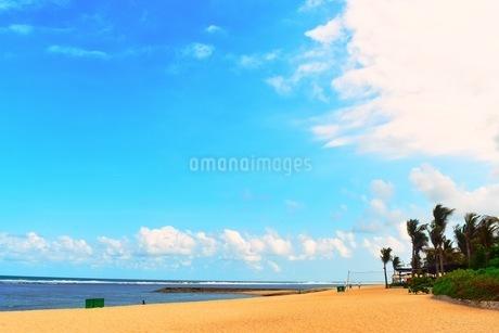 砂浜と空の写真素材 [FYI03419381]