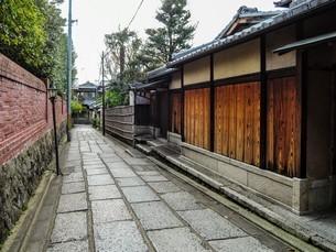 京都らしい町並み 石塀小路の写真素材 [FYI03419522]