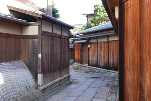 京都らしい町並み 石塀小路の写真素材 [FYI03419526]