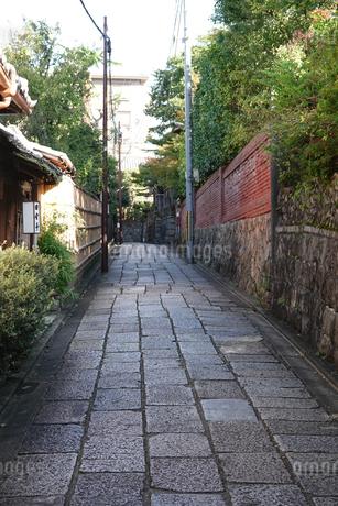 京都らしい町並み 石塀小路の写真素材 [FYI03419532]