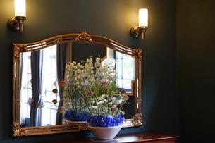 部屋の鏡台の写真素材 [FYI03419682]