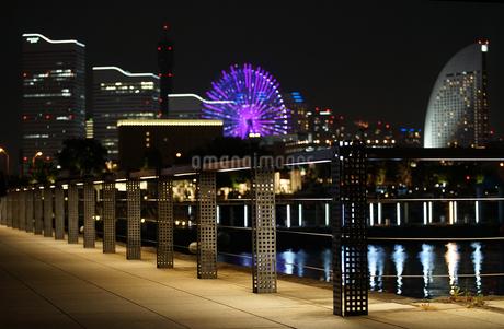 横浜港の夜景の写真素材 [FYI03419736]