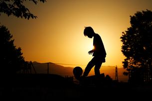 サッカーの練習の写真素材 [FYI03419797]