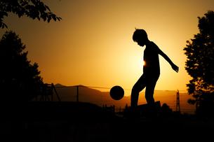 サッカーの練習の写真素材 [FYI03419798]