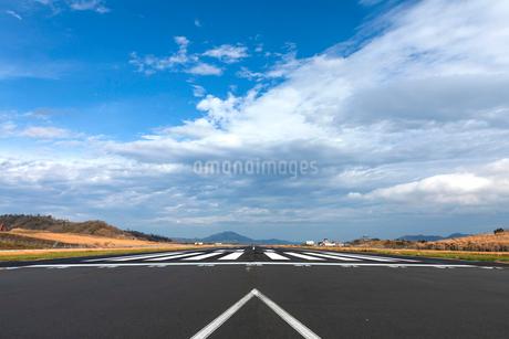 コウノトリ但馬空港の写真素材 [FYI03420127]