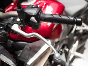 オートバイのハンドルの写真素材 [FYI03420837]