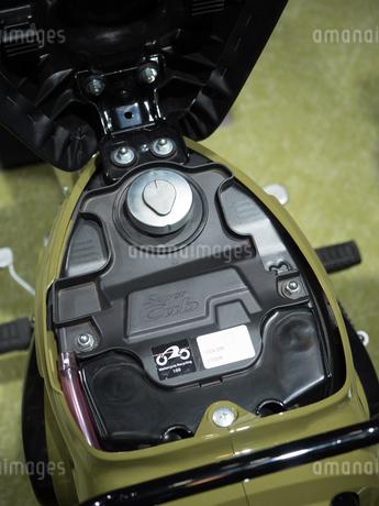 オートバイの燃料タンクの写真素材 [FYI03420845]