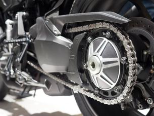 オートバイのチェーンの写真素材 [FYI03420849]