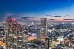 新宿の夜景の写真素材 [FYI03422377]