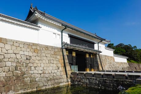 京都 二条城(離宮二条城)の東大手門(正門)の写真素材 [FYI03422806]