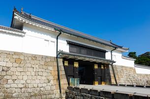 京都 二条城(離宮二条城)の東大手門(正門)の写真素材 [FYI03422807]