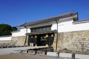 京都 二条城(離宮二条城)の東大手門(正門)の写真素材 [FYI03422812]