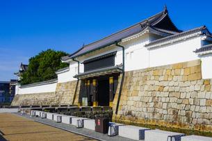 京都 二条城(離宮二条城)の東大手門(正門)の写真素材 [FYI03422813]