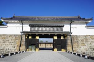 京都 二条城(離宮二条城)の東大手門(正門)の写真素材 [FYI03422816]