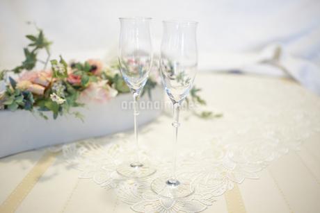 ペアのワイングラスの写真素材 [FYI03422963]