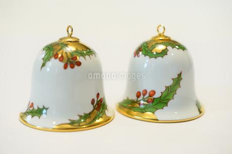 陶器のベル クリスマスカード用写真の写真素材 [FYI03422966]