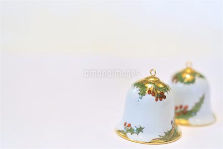 陶器のベル クリスマスカード用写真の写真素材 [FYI03422967]
