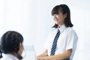 授業中の中学生の写真素材 [FYI03423378]