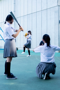 野球をする中学生の写真素材 [FYI03423449]