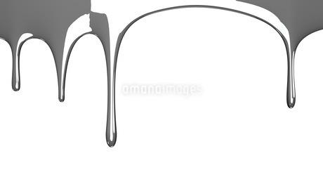 Silver liquid on white backgroundのイラスト素材 [FYI03423987]
