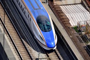 北陸新幹線流し撮りの写真素材 [FYI03424118]