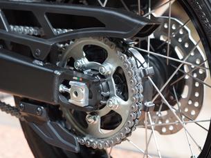 オートバイのチェーンの写真素材 [FYI03424271]