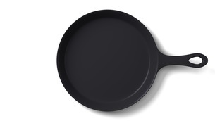 Cast iron skillet on white backgroundのイラスト素材 [FYI03424665]