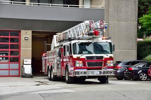 バンクーバーの消防はしご車の写真素材 [FYI03425723]