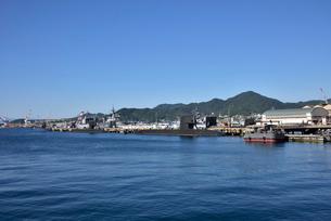 アレイからすこじま海上自衛隊呉基地潜水艦桟橋の写真素材 [FYI03425773]