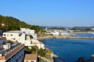 和歌浦湾とホテル街の写真素材 [FYI03426152]