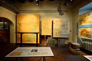 ラトビア・首都リガ世界遺産に立つ三人兄弟と言われている三棟はリガの典型的な建物となっており現在はラトビア建築博物館になっています内部に入るとラトビア住宅の構造が分かるように色々な資料が展示されていますの写真素材 [FYI03426502]