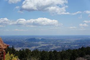 筑波山山頂より見た雲と山の風景の写真素材 [FYI03427460]