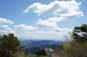 筑波山山頂より見た雲と山の風景の写真素材 [FYI03427463]