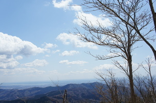 筑波山山頂より見た雲と山の風景の写真素材 [FYI03427467]