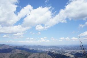 筑波山山頂より見た雲と山の風景の写真素材 [FYI03427470]