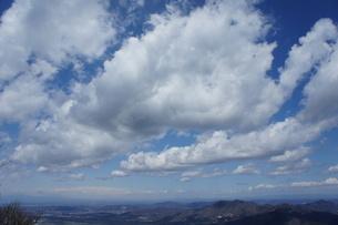 筑波山山頂より見た雲と山の風景の写真素材 [FYI03427471]