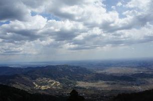 雲と山の風景の写真素材 [FYI03427478]