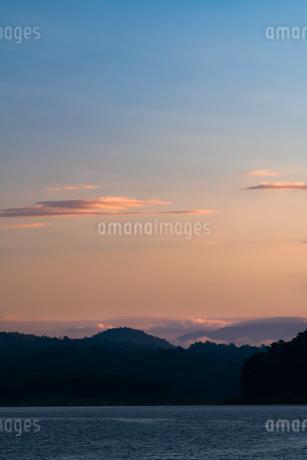 タイ チェンマイ 朝焼けの写真素材 [FYI03427631]