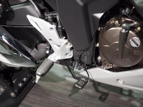 オートバイのステップの写真素材 [FYI03427884]