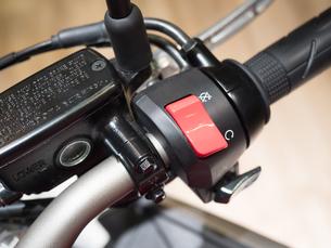 オートバイのハンドルの写真素材 [FYI03427893]