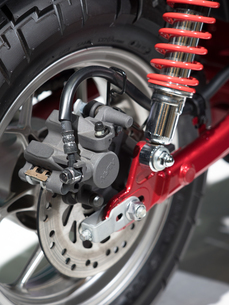 オートバイの後輪の写真素材 [FYI03427895]