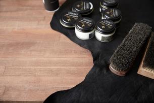 靴磨き用品の写真素材 [FYI03428134]