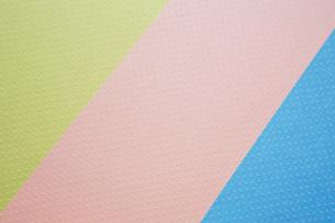 3色の紙の写真素材 [FYI03428157]